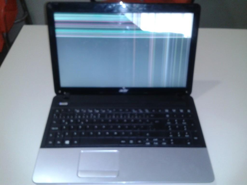 acer laptop ekran değişimi
